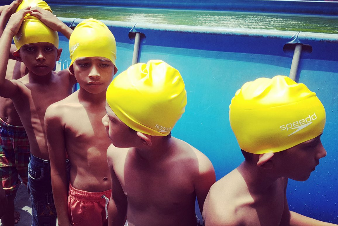 outdoor-swimming-society-story-post-swimming-bay-bengal-becky-horsbrugh-swim-hats