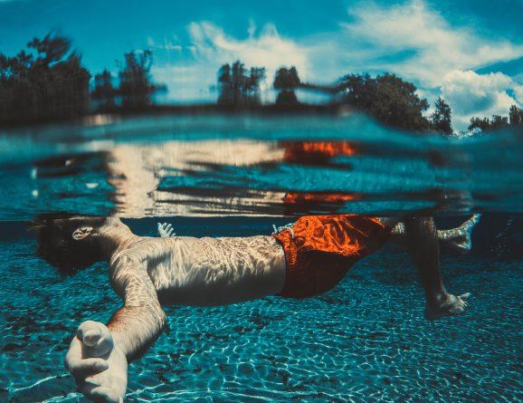 outdoor-swimming-society-joy-of-lidos-seth-doyle-main