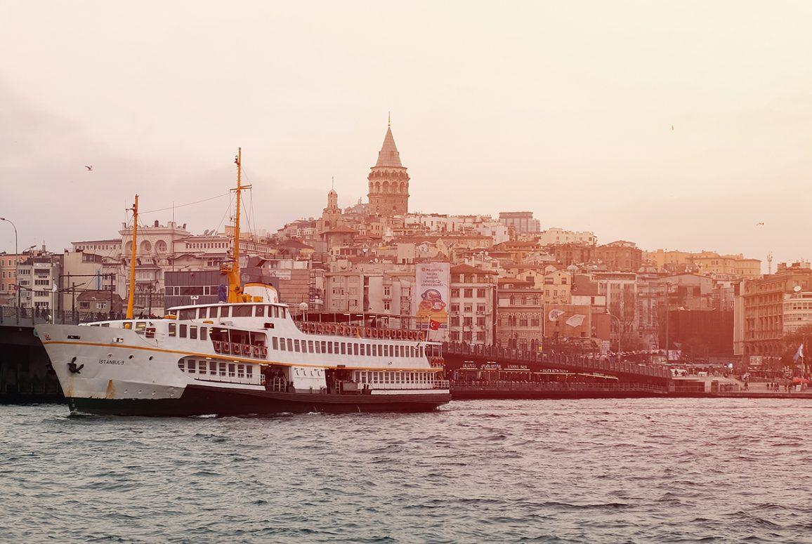 hellespont istanbul emre-gencer-232840-unsplash