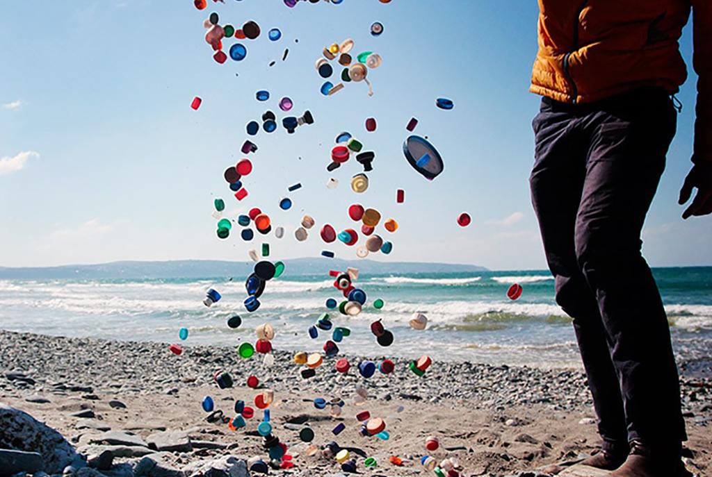 plastic beach clean SAS